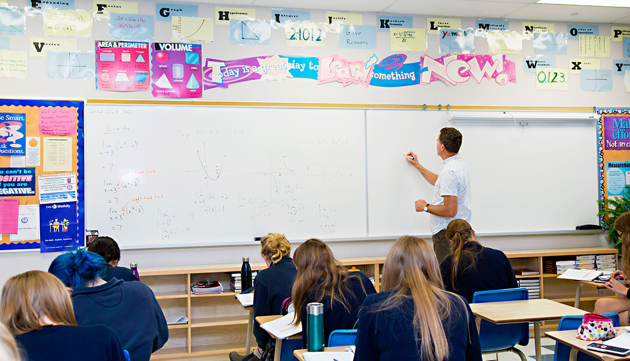 St.-Mike510-students-in-math-class